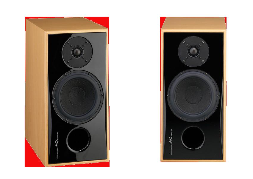 AQ Pontos 3 Audiofilska dwudrożna kolumna głośnikowa, koncepcyjnie nawiązuje do już legendarnego Donna Chica. Obudowa nawiązuje kształtem do technologii Passion, głośniki Scan-Speak. Moc 160 W.  Pontos jest bogiem morza dostępnym dla ludzi, Pontos 3 jest dwupasmowym systemem głośników z boskim dźwiękiem. Koncepcyjnie bazuje na legendarnym Donna Chica. Kompaktowa obudowa typu bassreflex wyposażona jest w przestrzenne przetworniki Scan-Speak. Wysokotonowy jednocalowy głośnik z serii Classic z klasyczną jedwabną kopułką oraz ferrofluidem w szczelinie magnetycznej i komorą antyrezonansową dla obwodu magnetycznego. Głośnik nisko tonowy z tej samej serii ma nieregularną membranę papierową zawieszoną w aluminiowym koszu, napędzającą układ magnetyczny SD1. Dwójka ta tworzy idealną parę do budowy kompaktowych głośników audiofilskich.  Czoło głośników wykonane jest z solidnej płyty MDF, wykonanej na pięcio-osiowej obrabiarce CNC do idealnego kształtu dla optymalnych kierunków osi akustycznych i doskonałego fazowania z dwóch głośników. Wykończenie jest z polerowanego lakieru fortepianowego. Korpus wykonany jest z płyty MDF, metodą na kanapkę z wykorzystaniem wewnętrznych antyrefleksyjnych powierzchni i wzmocnień. Kable wewnętrzne AUDIOQUEST Rocket 33 są lutowane na ciepło bezpośrednio do zacisków i składowych subterminali. Koncepcja D2D eliminuje problemy wynikające z ograniczonego przekroju obwodu drukowanego, jak również niepożądanego oporu przejścia w festonowych połączeniach wtykowych.  Audiofilski dźwięk jest czysty, ze wszystkimi szczegółami, a mimo swoich małych rozmiarów występują zadziwiająco solidne basy…